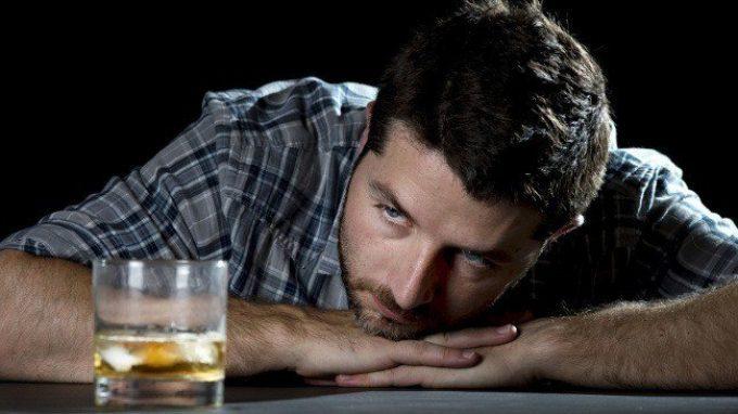 La Ricaduta nell' alcolismo: fattori predisponenti, craving e modelli di prevenzione