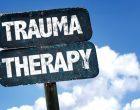 Lo spettro del trauma che si aggira per il mondo (della psicoterapia)