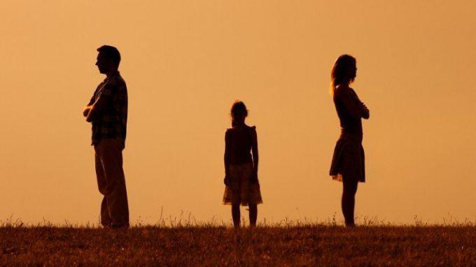 Onora il padre e la madre: non c'è futuro senza avere parlato con chi ci ha dato la vita