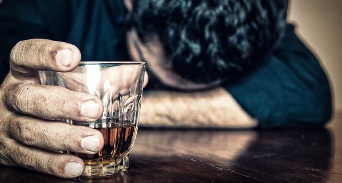 L' alcol, dall'uso non patologico alla dipendenza: considerazioni e trattamenti