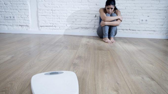 La terapia cognitivo comportamentale e la terapia familiare a confronto sulla cura dell'anoressia nei pazienti adolescenti