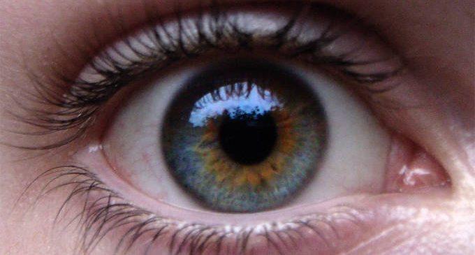 Restringimento della pupilla e rischio di depressione a seguito di una catastrofe naturale