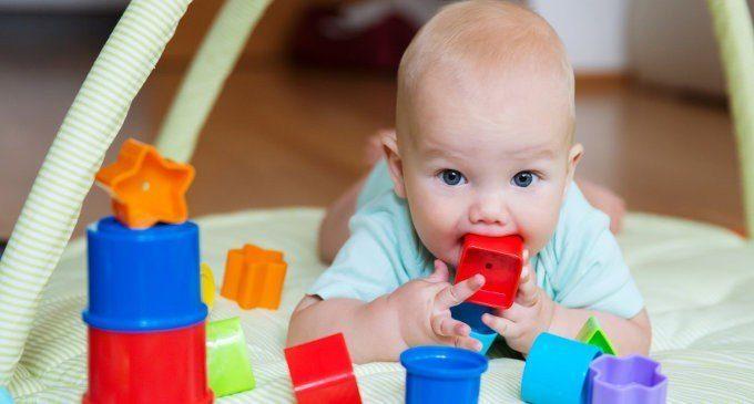 Lo sviluppo del bambino: prime tappe e grandi conquiste. A che gioco giochiamo?