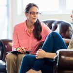 Relazione terapeutica e ruolo del terapeuta nella psicoterapia dinamica e cognitiva