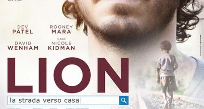 Lion: la strada verso casa, un film sull'adozione (2016) – Recensione