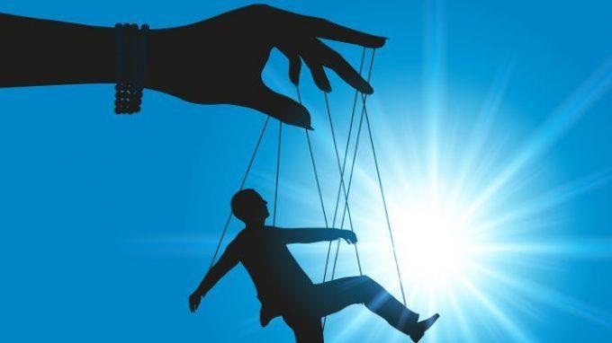 Manipolazione psicologica: conoscerla per difendersi da essa