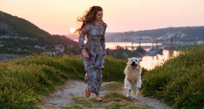 Passeggiare con il proprio cane rende felici?