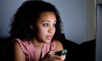 Il fenomeno del Binge watching e i disturbi del sonno
