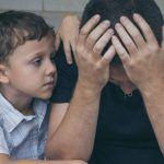 Depressione paterna ed effetti sulla salute mentale dei figli adolescenti