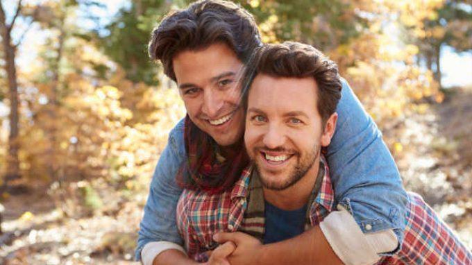 Definire l'omosessualità e l'identità sessuale