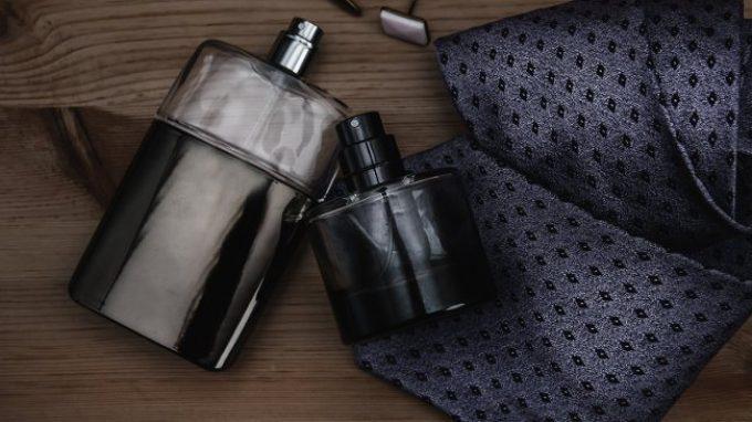 Portare con sé un oggetto che profuma del proprio partner aiuta a ridurre i livelli di stress