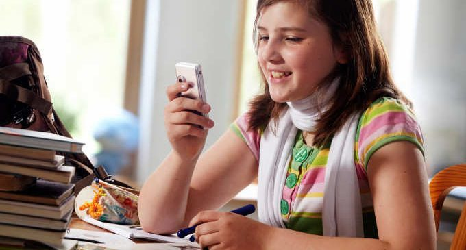 Utilizzo dei social network e peggioramento del rendimento scolastico?