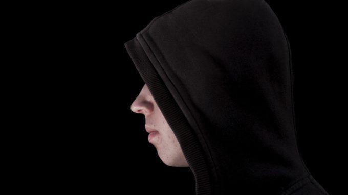 Adolescenti violenti contro i genitori: le cause e i possibili trattamenti terapeutici