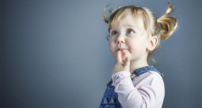 Bambini piccoli e attesa: a che età imparano?