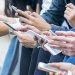 Social Network: rischi psicologici profondi per identità e relazioni