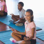Yoga e Mindfulness a scuola per migliorare la salute emotiva dei bambini
