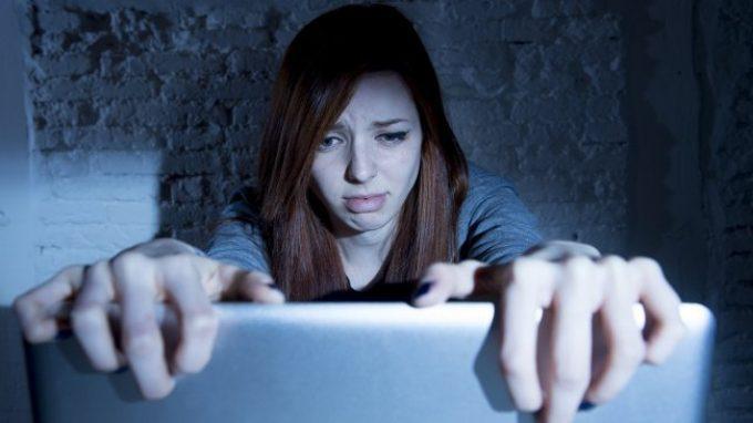 Violenza online e cyberbullismo: un'ipotesi neuroscientifica e le prospettive di intervento