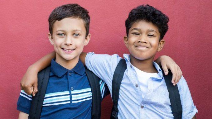 Relazioni sane e adattive: come i genitori possono favorire lo sviluppo delle abilità relazionali nei bambini