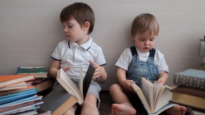 Relazioni famigliari e tra fratelli: come influenzano il successo scolastico?