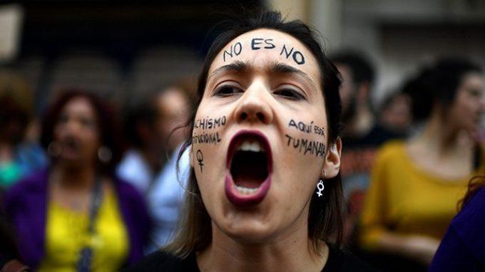 Vittime di stupro: quando la mancata ribellione va sotto processo.  L'ignoranza della legge sui vissuti traumatici di chi subisce un'aggressione sessuale.