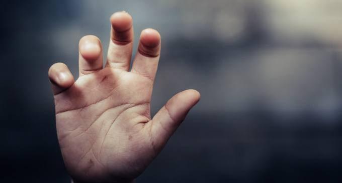 L' intelligenza artificiale può aiutare ad identificare casi di abuso infantile?
