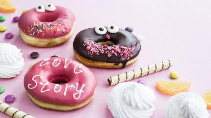 Cos'è la dipendenza da cibo? Due voci a confronto: Paul Fletcher e Paul J. Kenny
