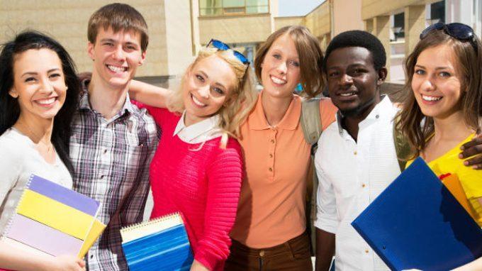 Lo sviluppo del pregiudizio verso gli immigrati tra gli adolescenti: analisi di alcuni fattori sociali