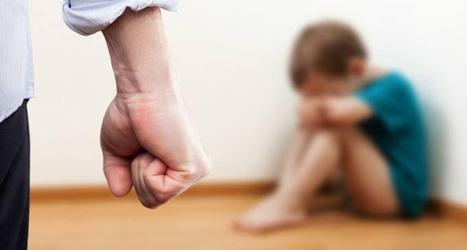 Le punizioni corporali a scuola e a casa influenzerebbero l'incidenza di fenomeni di violenza da parte dei minori?