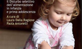 Le mani in pasta. Riconoscere e curare il disturbo selettivo dell'alimentazione in infanzia e prima adolescenza (2018) – Recensione del libro