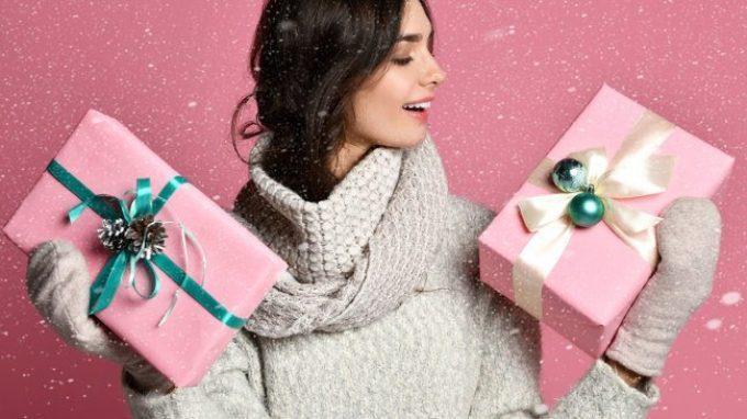 Oh oh oh.. anche quest'anno sono in ritardo coi regali di Natale. Perché procrastiniamo anche a Natale?