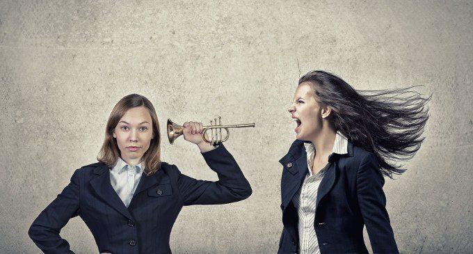 Perché notiamo più rapidamente una voce aggressiva rispetto ad una normale o felice?