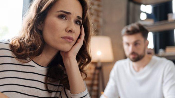 Perché resti se sei infelice? Quando si rimane in una relazione sentimentale anche se non si sta più bene