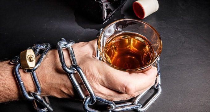 Alcool: potrebbe modificare il nostro DNA