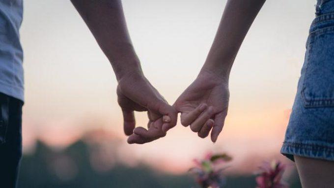 """Amore di coppia: """"move il sole e l'altre stelle"""" ma c'è molto altro.."""