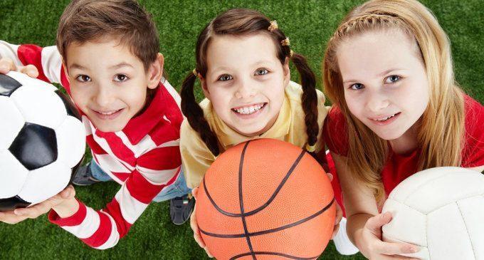 Praticare uno sport di squadra porterebbe benefici al cervello dei bambini