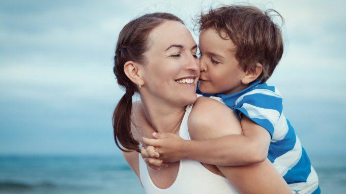 La mamma è sempre la mamma… o forse no? Come i pensieri attuali possono modificare i nostri ricordi affettivi