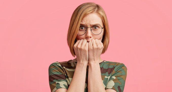 """Timidezza: caratteristiche, differenze con la fobia sociale e strategie per diventare dei """"timidi di successo"""""""