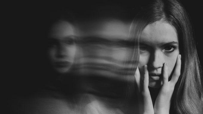 Voci: sulla differenza tra le allucinazioni uditive presenti in diagnosi di schizofrenia e in diagnosi di disturbo dissociativo