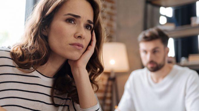 Soddisfare i propri bisogni psicologici all'interno o all'esterno della relazione con il partner: quali gli effetti sulla stabilità della coppia?