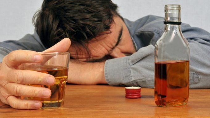 Terapia Metacognitiva per Pazienti con Disturbo da Uso di Alcol