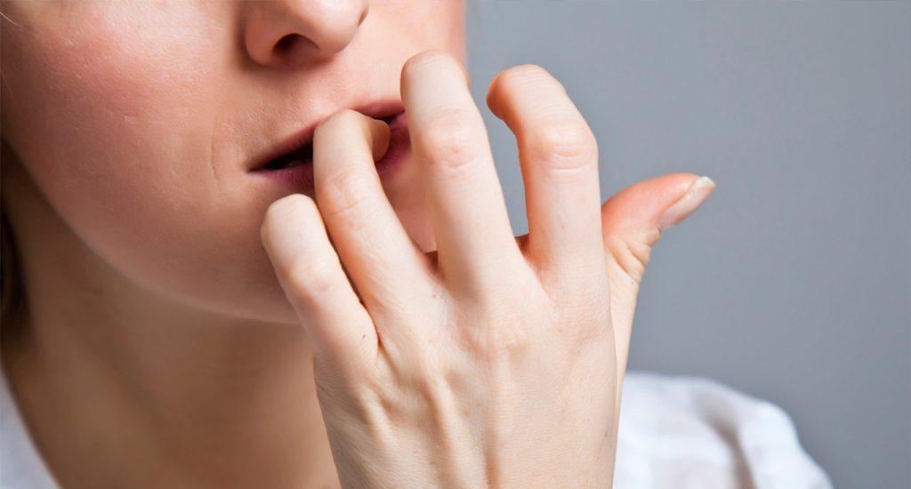 Onicofagia- tra vizio e autolesionismo le ragioni alla base della condotta