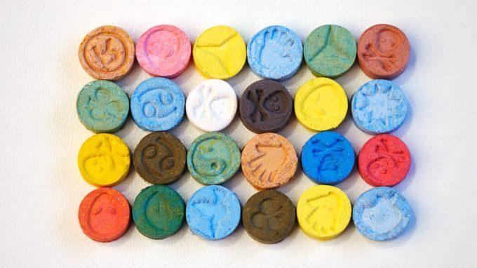 L'ecstasy o MDMA può avere effetti terapeutici?