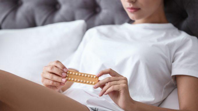 La pillola anticoncezionale: effetti sul cervello e sull'efficacia cognitiva