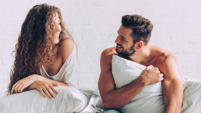 """Effetti della """"pillow talk"""" sulla soddisfazione relazionale e sulle risposte fisiologiche allo stress nelle coppie"""