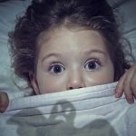 Paura del buio nei bambini: CBT e ACT a confronto - Psicoterapia