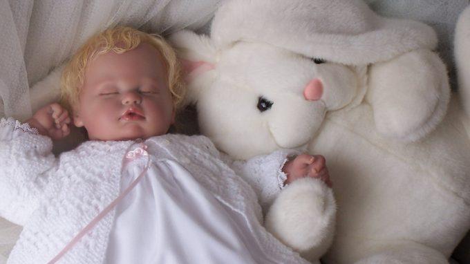 Il fenomeno delle Reborn Dolls, madri rinate