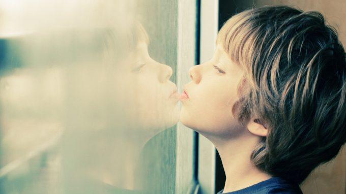 Da lontano: gli effetti dell'emergenza Covid 19 e del confinamento nei bambini e nei ragazzi