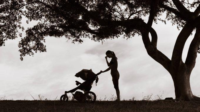 """Il lato """"Medea"""" – Moms, una rubrica su maternità e genitorialità"""