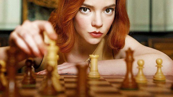 La Regina degli Scacchi: timore di perdere o di vincere? – Recensione