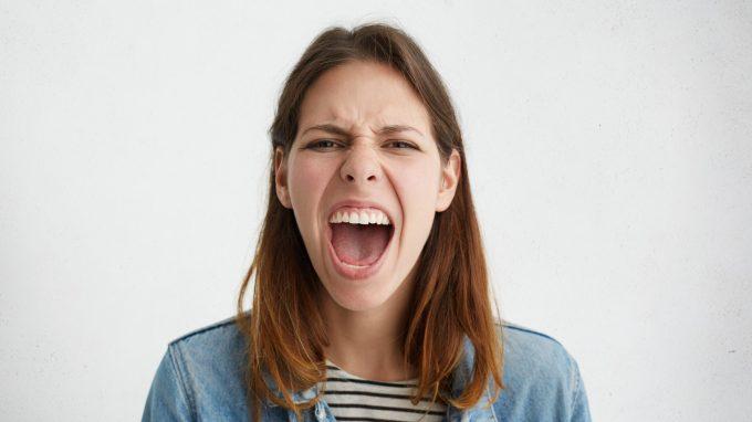 Perché sono arrabbiato con me? Funzione e sviluppo della rabbia secondaria
